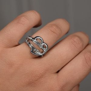 Jewelry - Silver Heart Ring Size 7